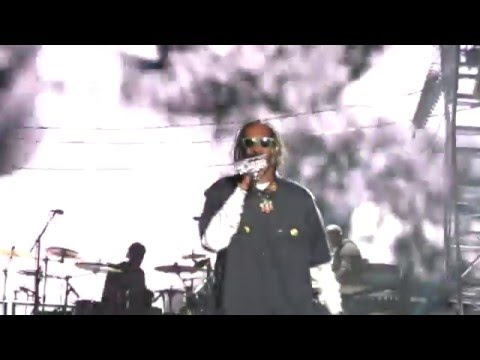 Snoop Dogg- Ain't No Fun (If the Homies Can't Have None) Coachella
