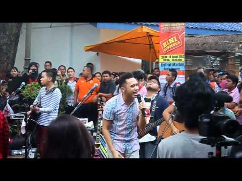 Ngamen Bareng Nidji Di Central Market KL