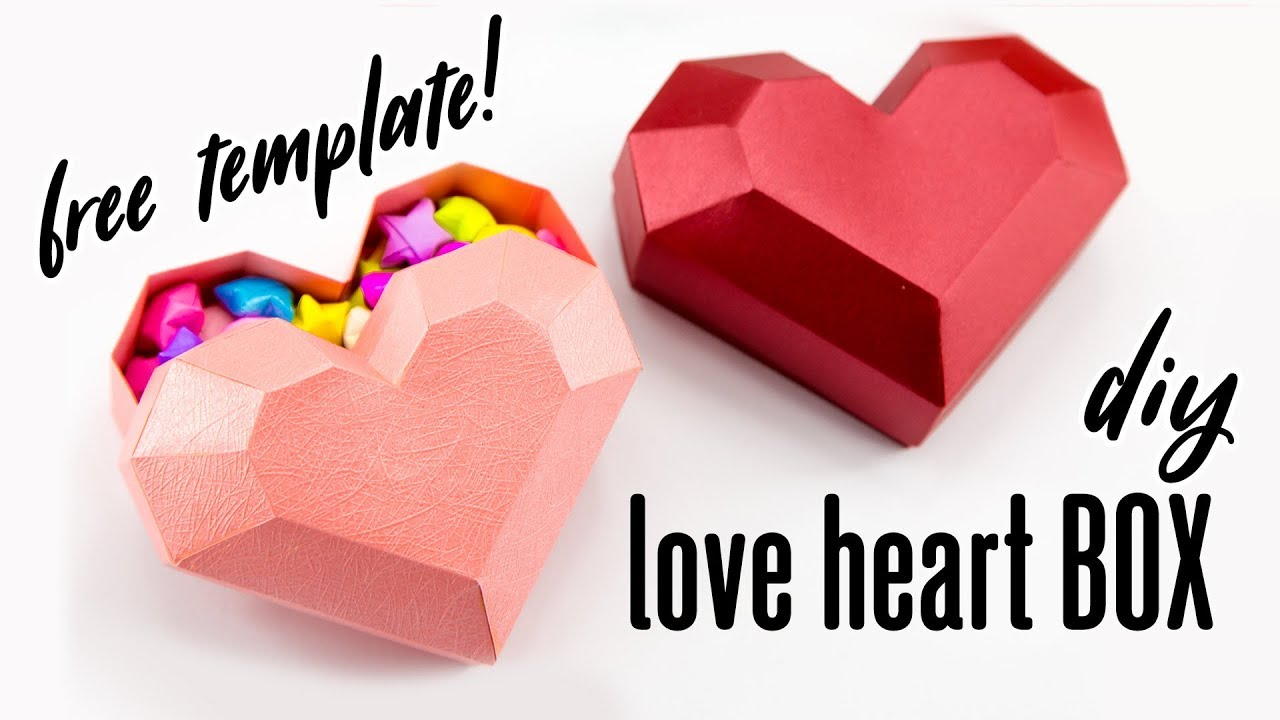 Make a heart-shaped box for valentine's day boxes and bags.