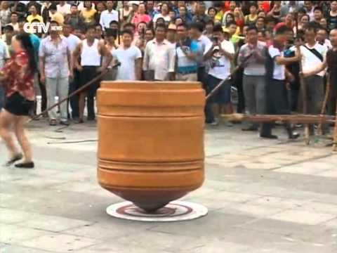 Record-breaking spinning top spun in southwest China