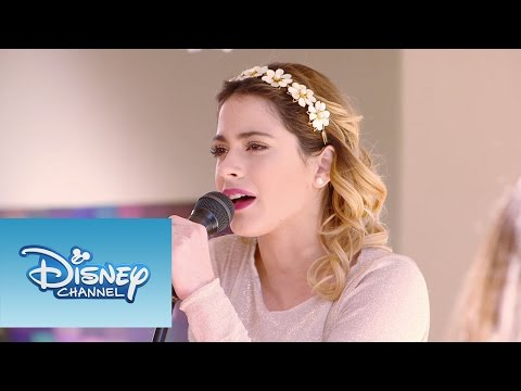 Violetta: Momento Musical: Violetta interpreta
