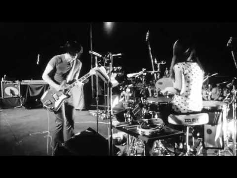 The White Stripes – Icky Thump (Live)