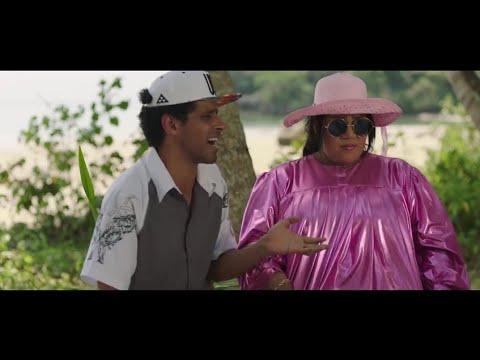 اضحك مع حمدي المرغني وهو بيتريق علي لبس شيماء سيف🤣🤣من مسلسل في اللالالاند