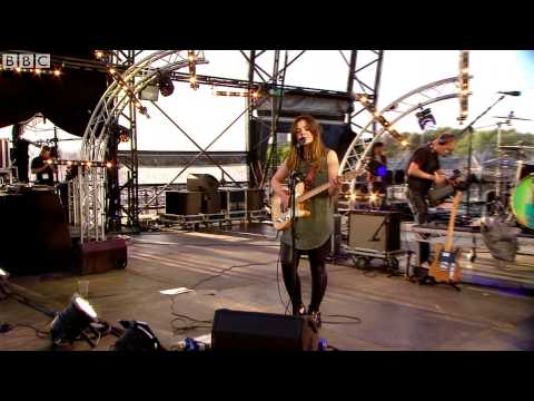 Honeyblood - Bud (live at The Quay)