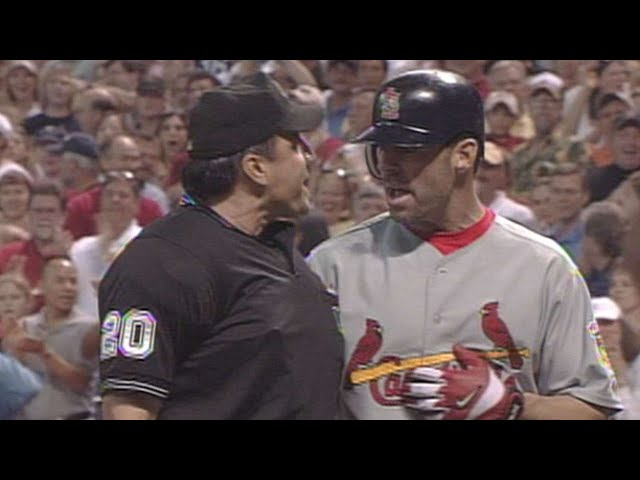 2005 NLCS Gm4: Edmonds ejected for arguing strikes