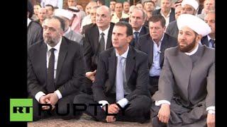 بالفيديو.. «الأسد» يصلي العيد في «حمص».. وخطيب المسجد يشبهه بـ«عزيز مصر»