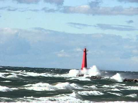 Monster Waves on Lake Michigan