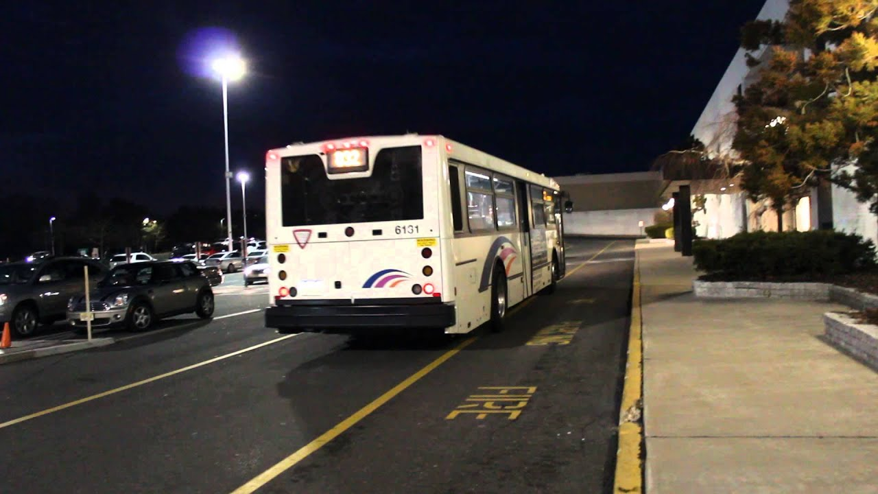 Nj Transit Veolia Bus 416 15 6131 On The 832 At Monmouth Mall