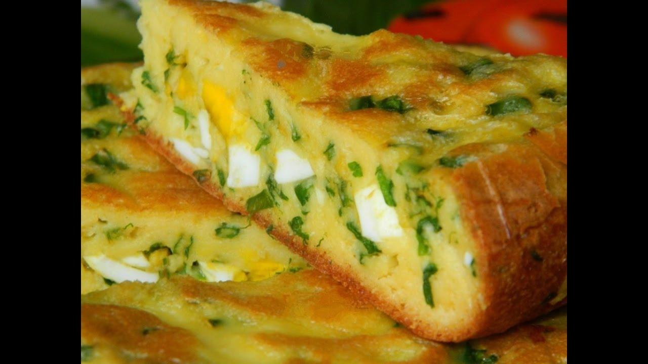 Пирог с рисом яйцом и зеленым луком