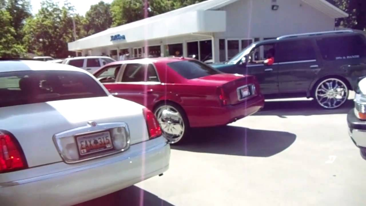 Dub 22 S 24 S 26 S 28 S Donk Town Car 64 Lac Navigator