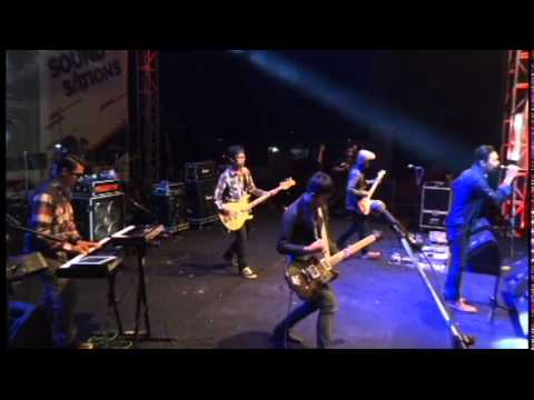 Jiva - Semakin (d'Masiv Cover) Live at A SoundSations 17 April 2015