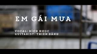 Em Gái Mưa (Hương Tràm) | Acoustic Cover | Bích Ngọc