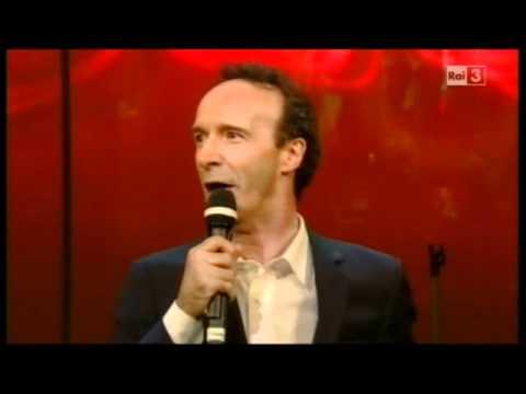 Roberto Benigni canta le proprietà di Berlusconi (Vieni via con me, 08/11/2010)