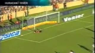 Daniel Vega  el mejor arquero de la fecha 2011-2012- YouTube.flv
