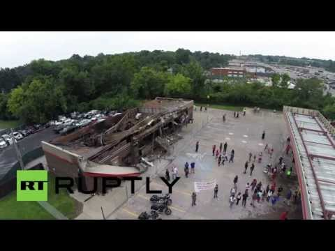 USA: Ruptly's drone shows Ferguson violence aftermath