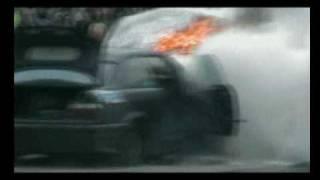 Palenie gumy a zarazem spalił się silnik :P BMW Winter Cup 2009 Wyrazów