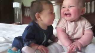 Дети разговаривают на непонятном языке. Мило и очень смешно! Приколы с детьми