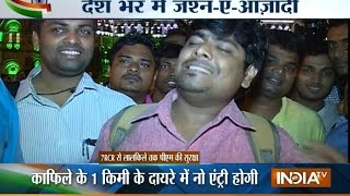 Mumbai: Man Sings a Patriotic Songs For His Motherland | India Tv