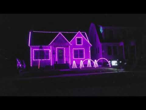 Coolest Christmas lights.. Star Wars remix