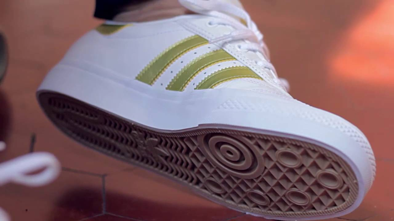 1ee770e91e24 SneakersBR Unboxing  adidas Adi-Ease Premiere Away Days - YouTube
