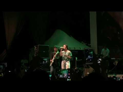 Raisa - Mantan Terindah ( Live Jak Cloth Lebaran 2017 )