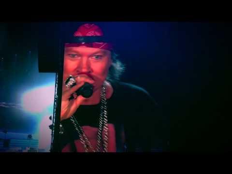 Axl Rose's joke on losing his Dubai Desert virginity, Guns N' Roses