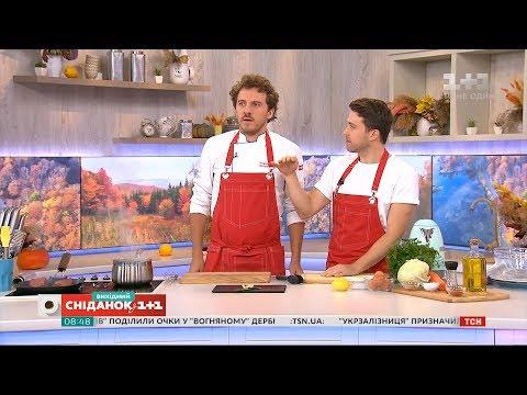 Євген Клопотенко готує стейк філе міньйон та салат Коул слоу