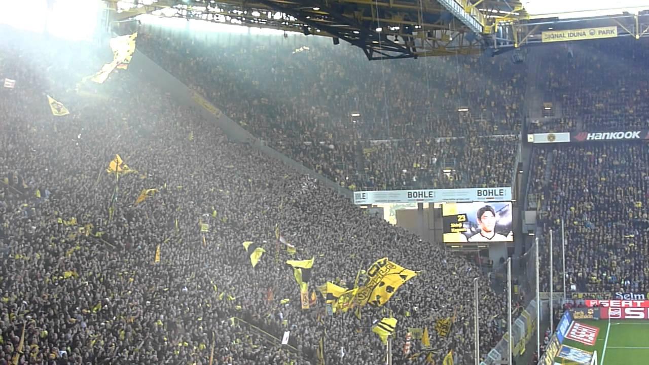 BVB - 1. FC Köln | 10. Spieltag 2011/2012 | Torjubel nach dem 1:0 von Kagawa