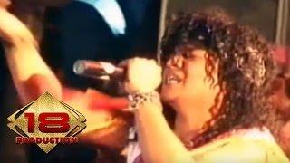 Seurieus - Jomblo Jomblo Bahagia  (Live Konser Balige Medan 13 Mei 2006)