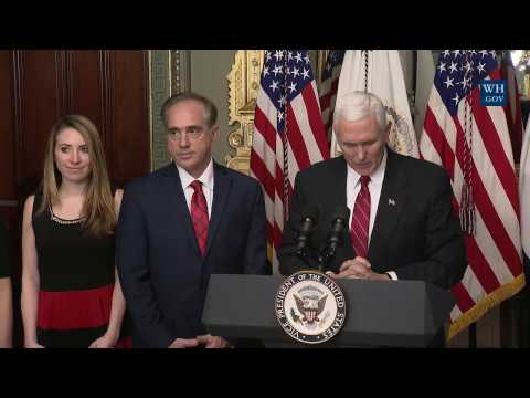Swearing-In of Sec of Vet Affairs Dr. Shulkin