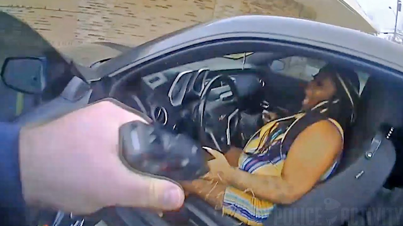 Download Bodycam Captures Shootout Between Woman and Nashville Officer in Tennessee