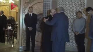 بالفيديو  سياسيون وفنانون في عزاء زوجة محمد صبحي