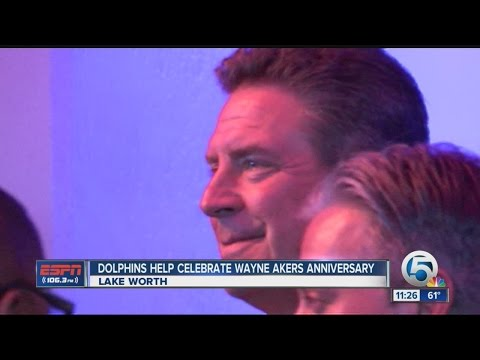 Former Dolphins helps celebrate Wayne Akers Anniversary