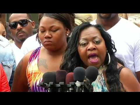 'I hope he die tonight!' Philando's mother calls for death of police officer