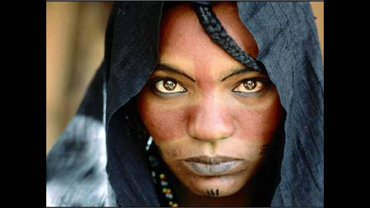 Bedouin Beautiful Woman Tartit Touareg Mokubor...