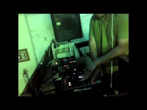 Zurprise dj Sesion House y electro House 2011 (Part 1)
