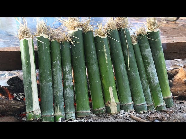 Survival Technique: Baked Rice from bamboo | Sticky rice in bamboo