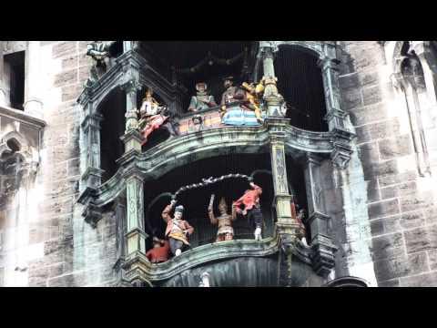 Glockenspiel in Munich, Germany