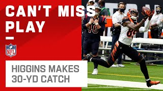 Tee Higgins Somehow Stays In Bounds for a 30-Yd Gain!