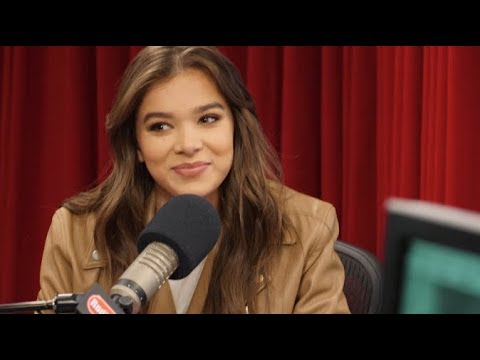 Hailee Steinfeld Ask Me Anything | Radio Disney