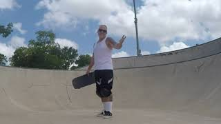 Learn to ride a skateboard at 40, 50, or even 60 years old. My advice for the absolute beginner.