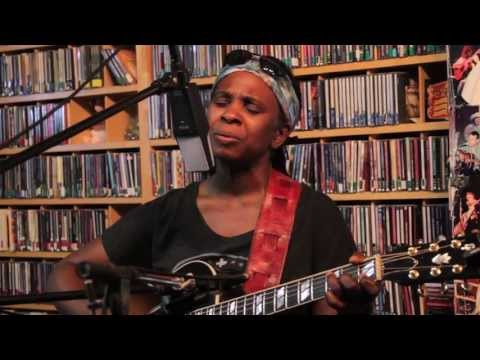 "Ruthie Foster Performs Live On ""PLEASE STAND BY"" KPIG 4/12/13"