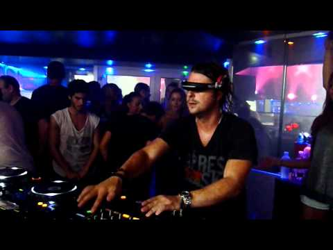 Axwell present Coldplay - Every Teardrop Is A Waterfall (SHM Remix) @ Queen Club 10/09/2011