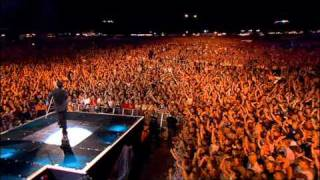 Robbie Williams - Rock DJ ( Live at Knebworth )