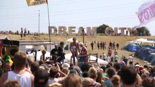 Repeat youtube video GAFFA.TV: Roskilde Nøgenløb 2014