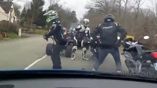 Мотоциклисты (байкеры) танцуют прямо на дороге😂