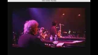 Play Here Come The Nice (Live)
