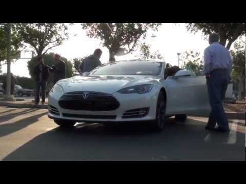 NEW TESLA Model S 2013!!