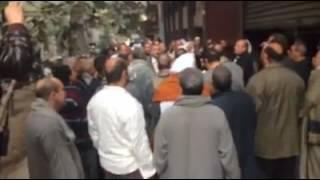 فيديو| هتافات عمال طنطا للكتان أمام «النصر للتصدير» للمطالبة بحقوقهم: معتصمين في كل مكان ضد الظلم والطغيان