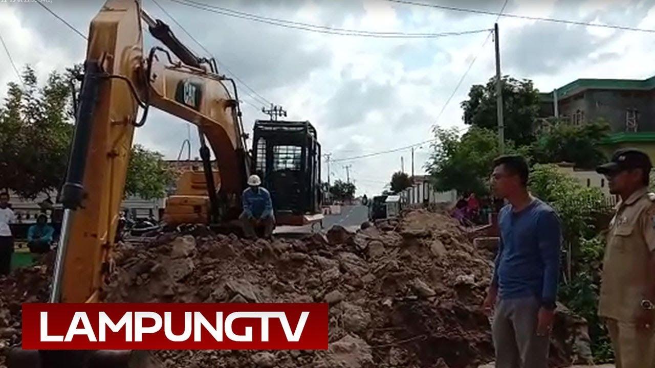 Gorong-gorong Penyebab Banjir Kalianda Dibongkar - YouTube